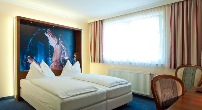 Das Grüne Bio-Hotel zur Post - 薩爾斯堡 - 臥室