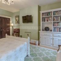 Aisling Guestroom