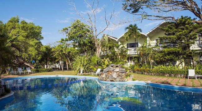 Fantasy Island Beach Resort - 羅丹島 - 游泳池
