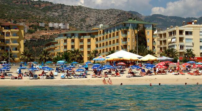 Kleopatra Dreams Beach Hotel - 阿拉尼亞 - 建築