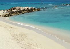 Simpson Bay Beach Resort And Marina - Simpson Bay - 海灘