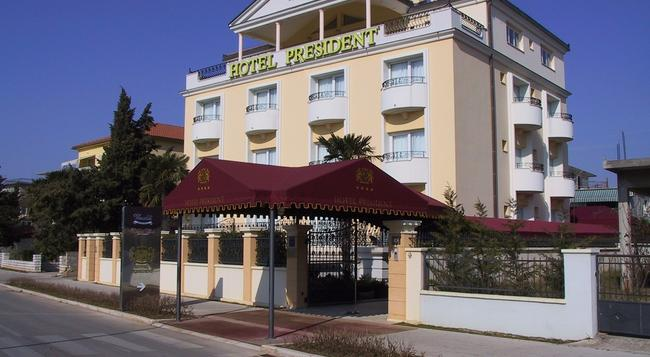 Hotel President - 扎達爾 - 建築
