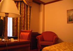 Hotel President - 扎達爾 - 臥室