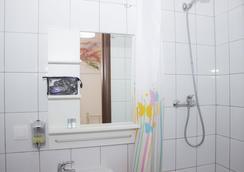 華沙市區旅舍 - 華沙 - 浴室