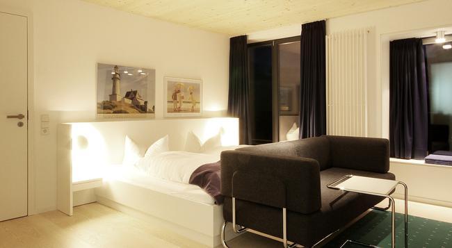 Hotel Niedersachsen - 韋斯特蘭 - 臥室