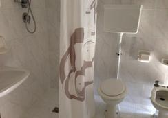 Albergo Villa Arlotti - 里米尼 - 浴室