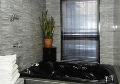 科隆尼奧爾豪斯酒店 - 紐約 - 浴室