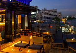 班王朗濱江酒店 - 曼谷 - 酒吧