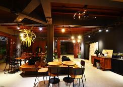 班王朗濱江酒店 - 曼谷 - 餐廳