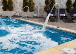 加尼維特酒店 - 馬德里 - 游泳池