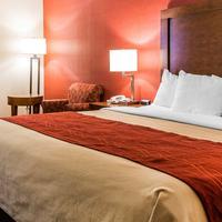 Comfort Inn Guestroom