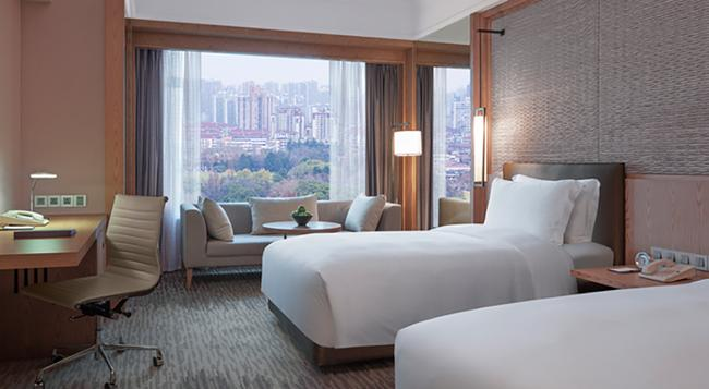 New World Shanghai Hotel - 上海 - 臥室