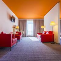 Park Inn by Radisson Frankfurt Airport Living Area