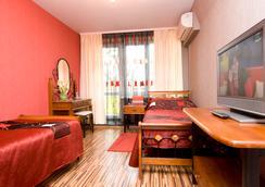 德魯日酒店及餐廳 - 哈爾科夫 - 臥室