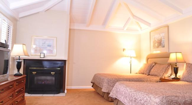 Carmel Resort Inn - Carmel-by-the-Sea - 臥室