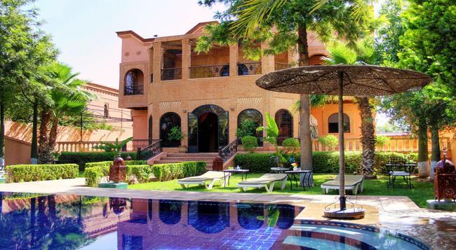 Palais Dar Ouladna - 馬拉喀什 - 游泳池