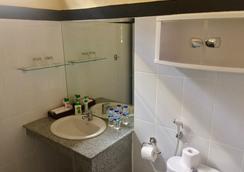 ER巴厘小居旅館 - 庫塔 - 浴室