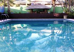 宿霧度假酒店 - 宿務 - 游泳池