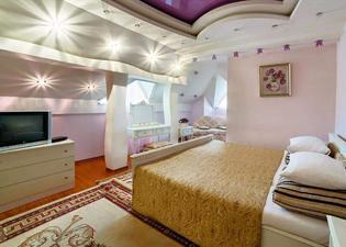 埃齊奧皇宮酒店