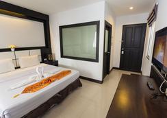芭東之星酒店 - 巴東 - 臥室