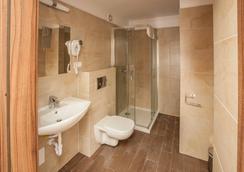羊皮紙皇家公寓式酒店 - Krakow - 浴室