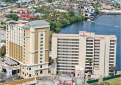 奧蘭多國際大道華美達廣場套房度假酒店 - 奧蘭多 - 室外景