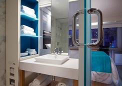 棒的普萊斯酒店 - 多倫多 - 浴室