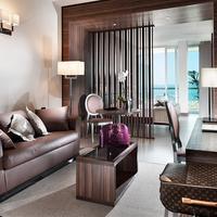 Waldorf Suite Hotel Living Area