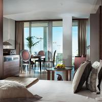 Waldorf Suite Hotel Guestroom