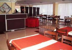 Sinemis Otel - 安塔利亞 - 餐廳