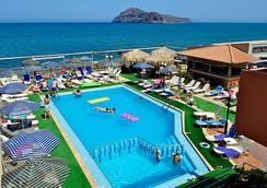 Marika Hotel - 哈尼亞 - 游泳池