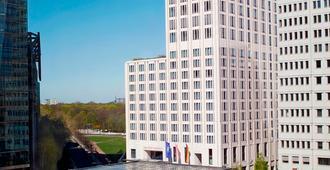 柏林麗思卡爾頓飯店 - 柏林 - 建築