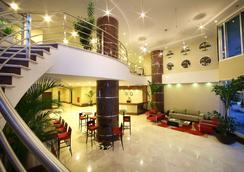 菲尼斯特雷巴拿馬城萬豪行政公寓 - 巴拿馬城 - 大廳