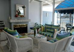 Foghorn Harbor Inn - Marina del Rey - 大廳