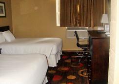 石橋酒店 - 麥克默里堡 - 臥室