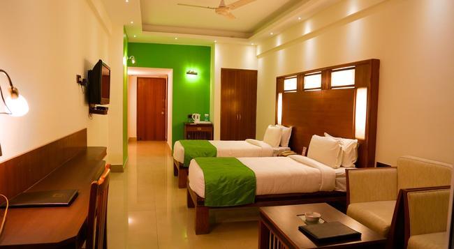 Inderlok Hotel - 德拉敦 - 臥室