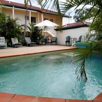 Toowong Central Motel Apartments Outdoor Pool & Sundeck