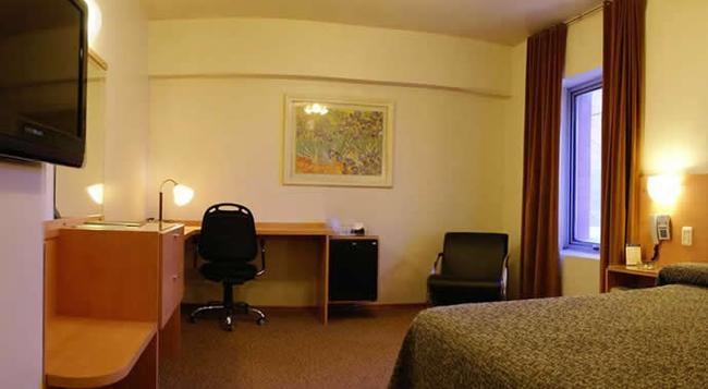 Hotel Corrientes - 聖達菲 - 臥室