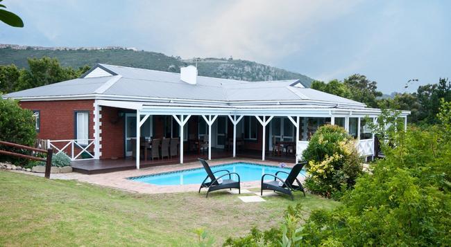 Redbourne Country Lodge - 普利登堡灣 - 建築