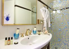 華爾道夫特洛卡德奧酒店 - 巴黎 - 浴室