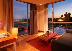 SB BCN活動四星級高級酒店 - 卡斯特爾德費爾斯 - 臥室