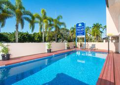 凱恩斯市棕櫚汽車旅館 - 凱恩斯 - 游泳池