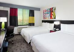 萬豪紐約皇后區/昆斯博羅橋費爾菲爾德套房酒店 - 皇後區 - 臥室