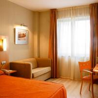 Hotel Posadas de España Málaga Guestroom