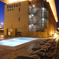 Hotel Posadas de España Málaga Exterior