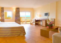 RH卡薩布蘭卡套房酒店 - Peniscola - 臥室