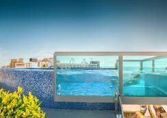 RH唐卡洛斯酒店 - Peniscola - 游泳池