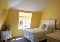 Pelham Court Hotel - 紐波特 - 臥室