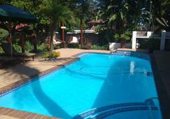 非洲旅行旅馆 - 約翰內斯堡 - 游泳池