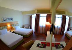 檳城仙特拉海景酒店 - 喬治市 - 臥室